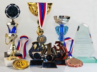 Poháry, medaile, trofeje